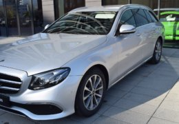 Mercedes-Benz E 220d 4 Matic-005
