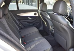 Mercedes-Benz E 220d 4 Matic-015