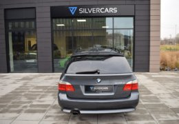 BMW 520d Kombi šedá-008