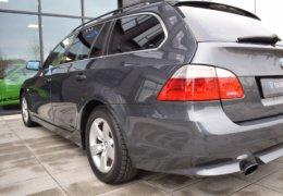 BMW 520d Kombi šedá-010