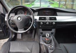 BMW 520d Kombi šedá-020