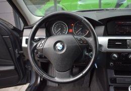 BMW 520d Kombi šedá-021