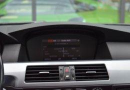 BMW 520d Kombi šedá-023