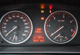 BMW 520d Kombi šedá-029