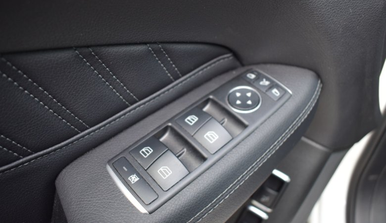 Mercedes-Benz GLE 350d 4M/ AMG/ tažné/ 360/ Keyless/ Distronic