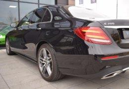 79-Mercedes-Benz E200 4Matic černá-7AH 60-066
