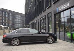 79-Mercedes-Benz E200 4Matic černá-7AH 60-071