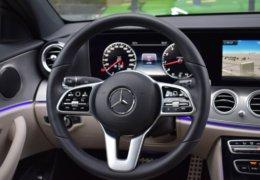 79-Mercedes-Benz E200 4Matic černá-7AH 60-073