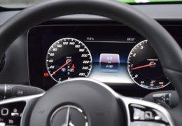 79-Mercedes-Benz E200 4Matic černá-7AH 60-074
