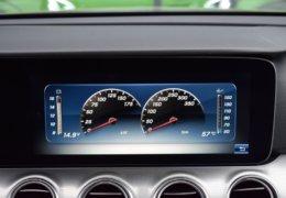 79-Mercedes-Benz E200 4Matic černá-7AH 60-081