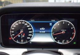 79-Mercedes-Benz E200 4Matic černá-7AH 60-091