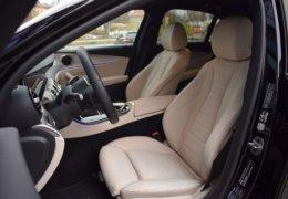 79-Mercedes-Benz E200 4Matic černá-7AH 60-093