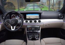 80-Mercedes-Benz E200 4Matic černá-7AM 68-077