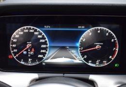 80-Mercedes-Benz E200 4Matic černá-7AM 68-091