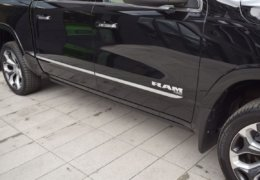 Dodge RAM 1500 LIMITED-012