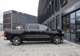 Dodge RAM 1500 LIMITED-015