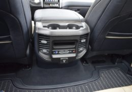 Dodge RAM 1500 LIMITED-037