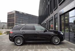 Mercedes-Benz GLE 300d AMG black-007