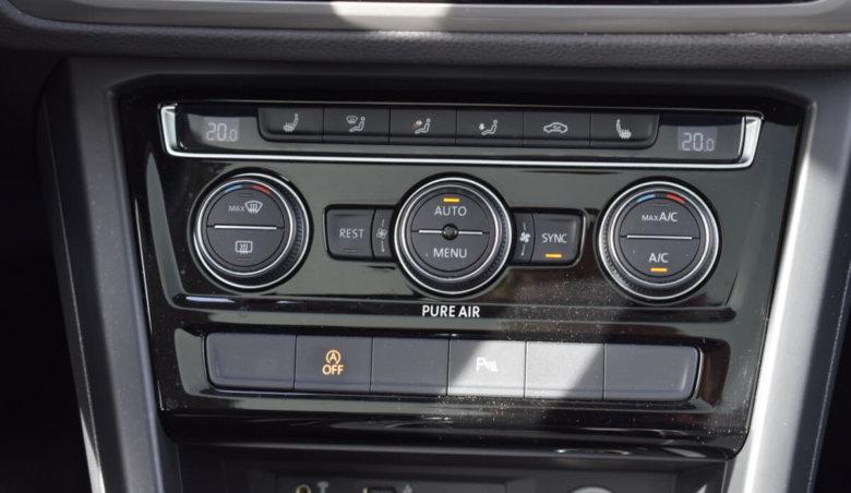 Volkswagen Touran 2,0d DSG/ Panorama/ Masážní sedadlo řidiče