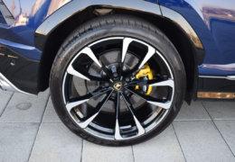 Lamborghini URUS BLUE-039