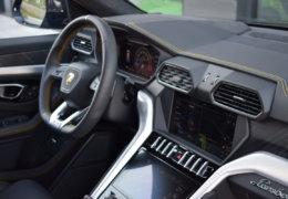 Lamborghini URUS BLUE-060