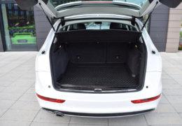 Audi Q5 2,0d Quattro-024