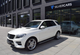 Mercedes-Benz ML 350d-bílá DESIGNO