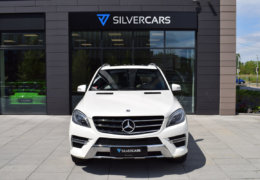 Mercedes-Benz ML 350d-bílá DESIGNO-002