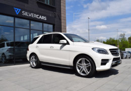 Mercedes-Benz ML 350d-bílá DESIGNO-003