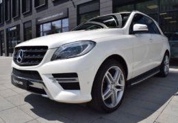Mercedes-Benz ML 350d-bílá DESIGNO-005