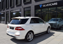Mercedes-Benz ML 350d-bílá DESIGNO-007