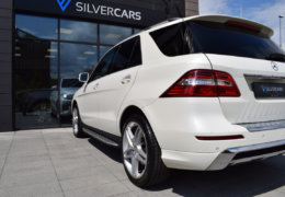Mercedes-Benz ML 350d-bílá DESIGNO-010