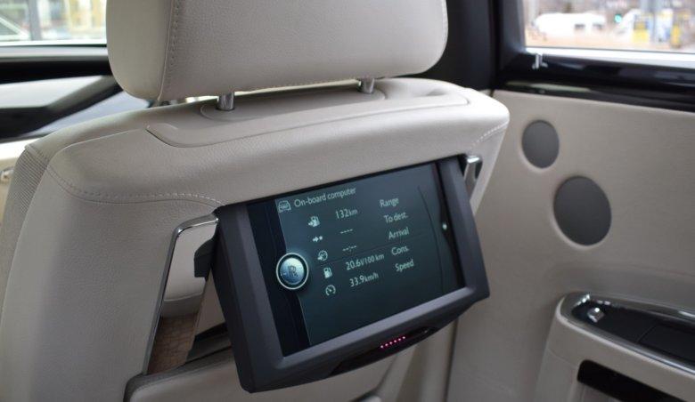 Rolls-Royce Ghost W12/ 420kW/ TOP výbava/ noční vidění/ Keyless/ soft close/