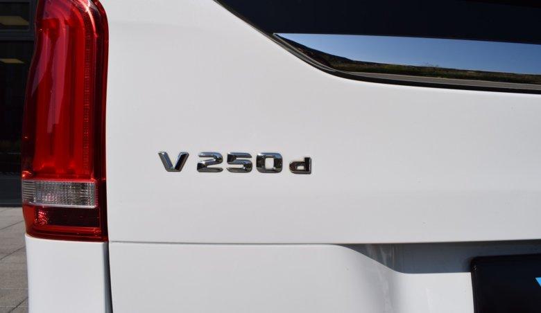 Mercedes Benz V 250D Class/Avantgarde-L/elektrické boční dveře/6 míst verze