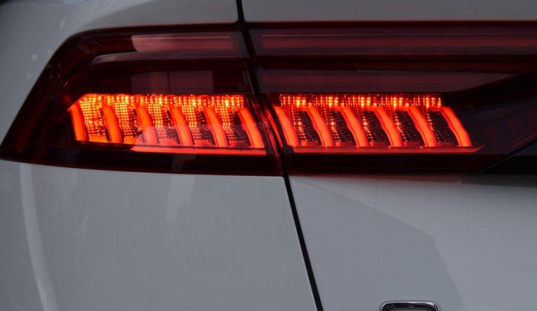 Audi Q8/S-Line/Keyless/Matrix