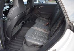 Audi Q8 bíláDSC_0695