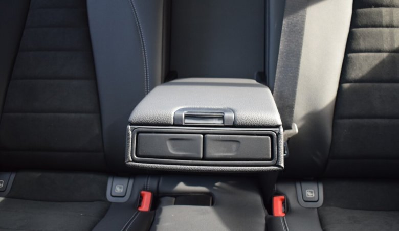 Mercedes Benz E 220/Keyless/AMG