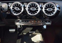 Mercedes A180 šedáDSC_0843