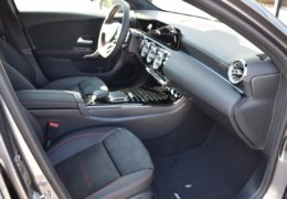 Mercedes A180 šedáDSC_0858