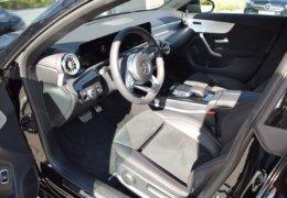 Mercedes CLA200d černáDSC_0878