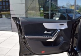 Mercedes CLA200d černáDSC_0883