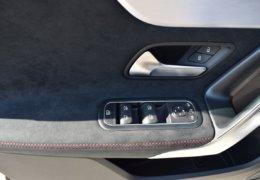 Mercedes CLA200d černáDSC_0884