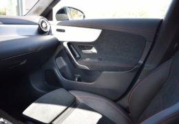 Mercedes CLA200d černáDSC_0895