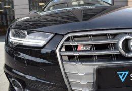 Audi S 7 černáDSC_0052