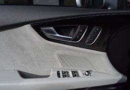 Audi S 7 černáDSC_0064