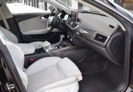 Audi S 7 černáDSC_0082