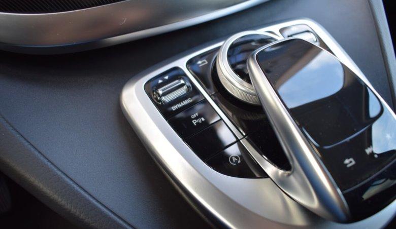 Mercedes Benz V220d L