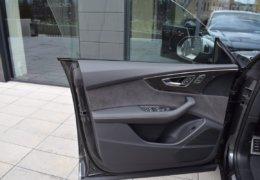 Audi Q8 šedáDSC_0961