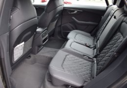 Audi Q8 šedáDSC_0977