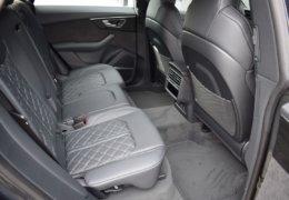 Audi Q8 šedáDSC_0979